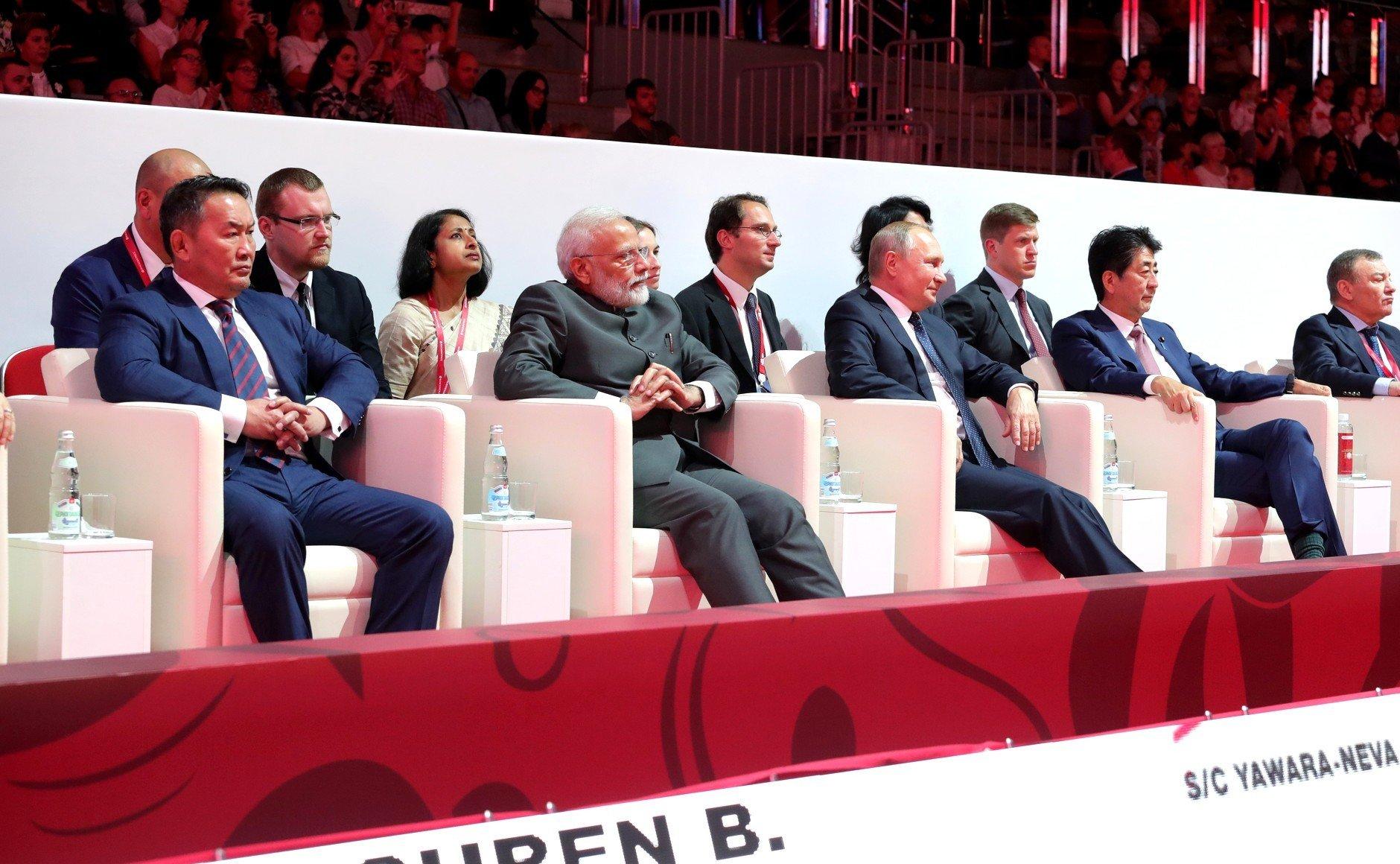 Лидерство запада заканчивается, появляется новый центр силы: Россия, Китай, Индия