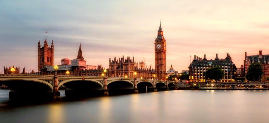 Цивилизованная Европа: Британцы уничтожают вышки 5G из-за коронавируса