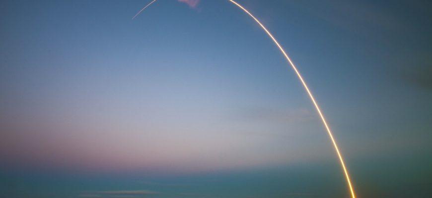 Третья ракета Илона Маска для полётов на Марс взорвалась на старте (видео)