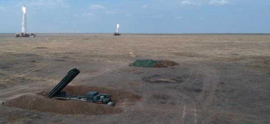 """Эпичные кадры массированного ракетного удара комплексов """"Искандер"""""""