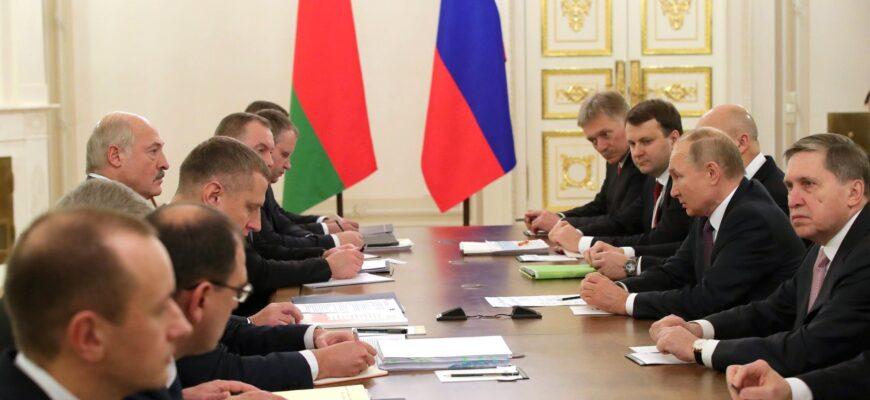 На фоне подробностей о задержании россиян, состоялся разговор Путина и Лукашенко
